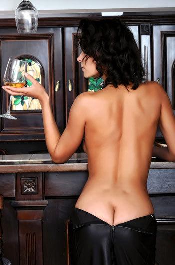 Leggy Babe Suzanna Strips Off Her Sexy Black Dress