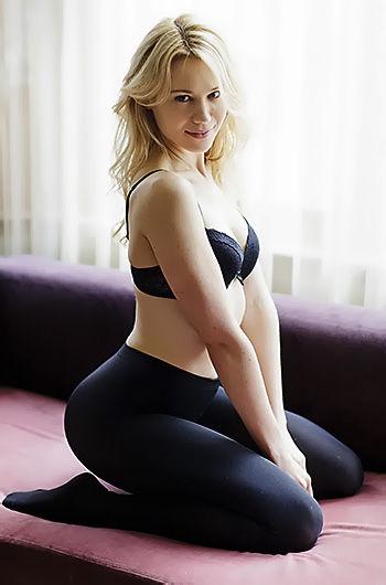 Kristen Hager Exposing Her Hot Body