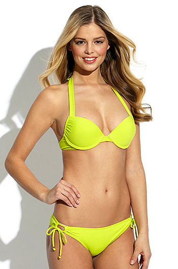 Danielle Knudson Sexy Bikini Pics
