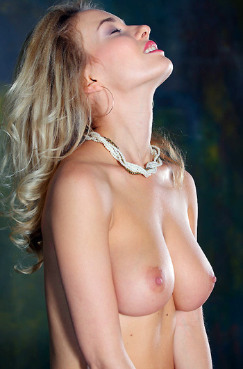 Sexy Blonde Annabell Getting Nude