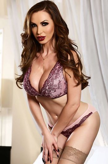 Nikki Benz Strips Off Her Sexy Bra And Panties