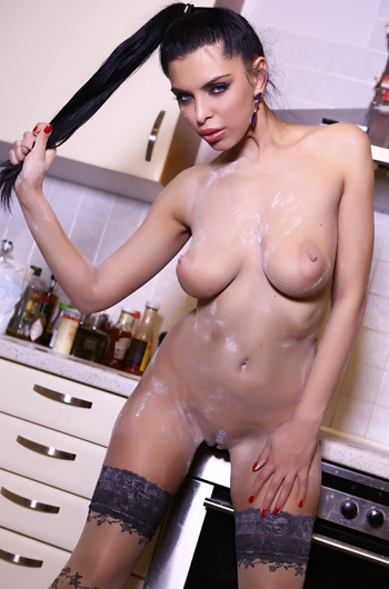 Kira Queen Get Dirty In The Kitchen