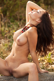 Nici Dee Nude Outside