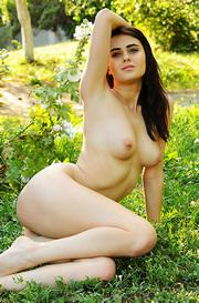 Stella Naked In The Garden