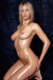 Sexy Oiled Babe Amanda Nude