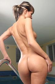 Melisa Gets Nude In The Pool