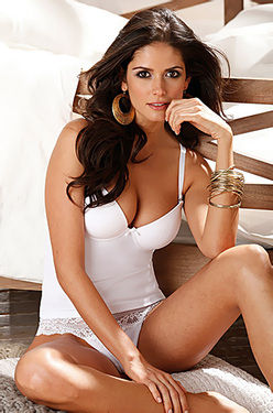 Amazing Beauty Lingerie Model Carla Ossa