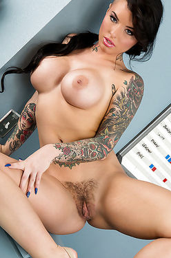 Gorgeous Tattooed Brunette With Hairy Cunt