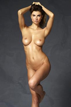 Renaissance Beauty Marisa