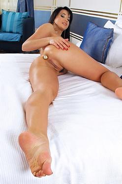 Taissia Shanti Strech Her Juicy Pussy With Dildo