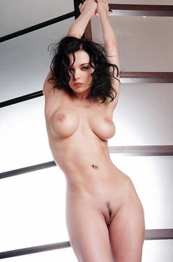 Busty Nude Jenya