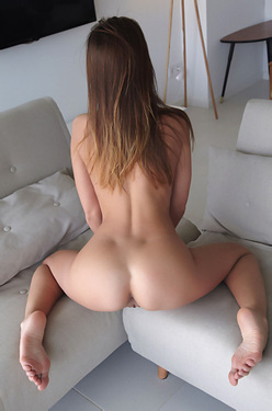 Sabrisse Nude On A Couch